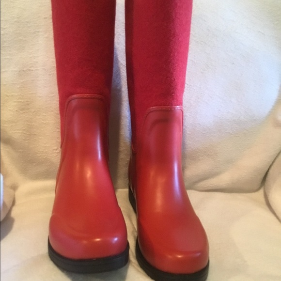 top-rated fashion Sales promotion superior materials New Red Ugg rain boots ☔️ SALE 🎈 NWT
